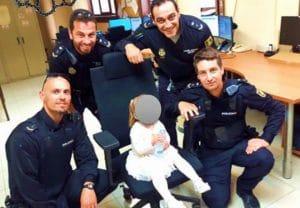 La policía encuentra a una niña abandonada por su padre en la Costa Blanca