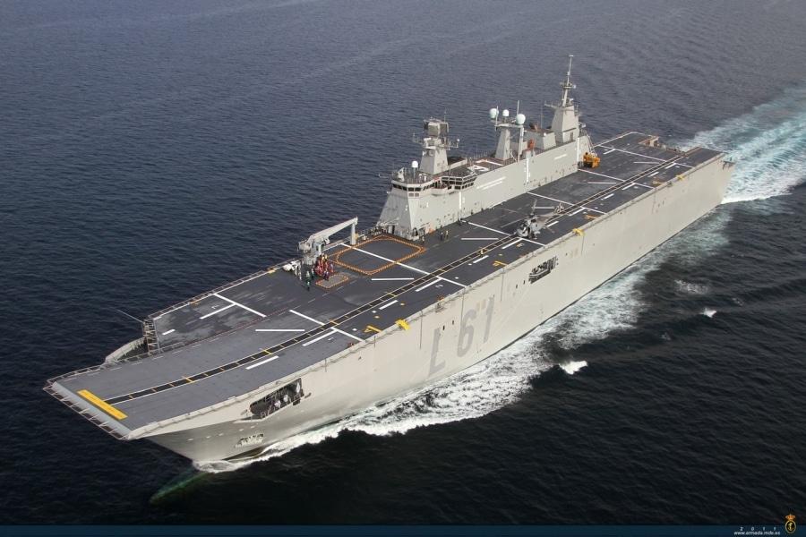 Resultado de imagen de buque de guerra español ordena que los barcos se muevan de